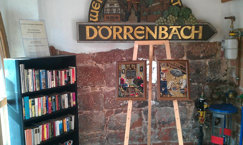 Offnes Bücherregal in dörrenbach